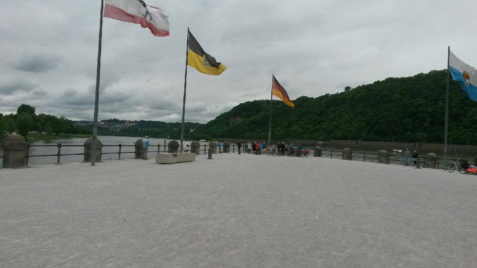 Ved Deutsches Eck renner elven Mosel ut i Rhinen. Foto: Arne Ingvaldsen.