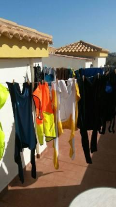 Endelig tid for skikkelig klesvask! Foto: Arne Ingvaldsen.