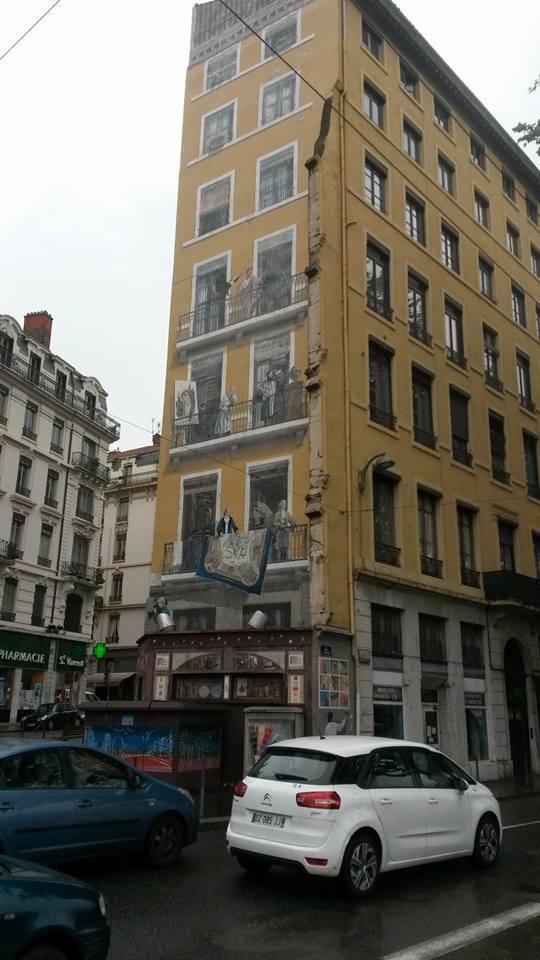 Stilig bygning i Lyon. Foto: Arne Ingvaldsen.
